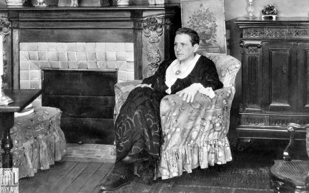 Gertuda Stein in her apartment