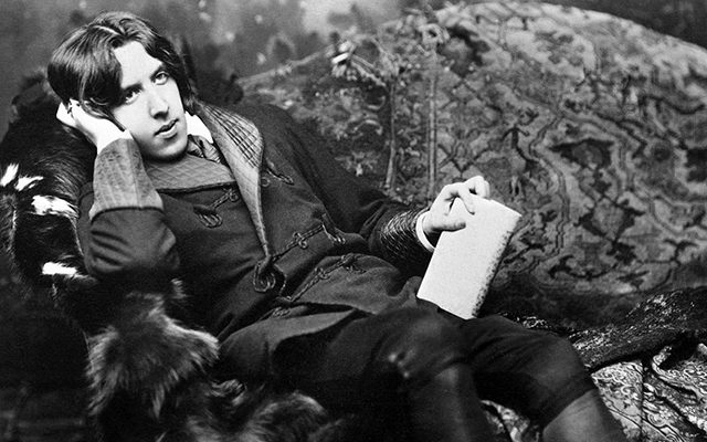 Oscar Wilde relaxing on the sofa